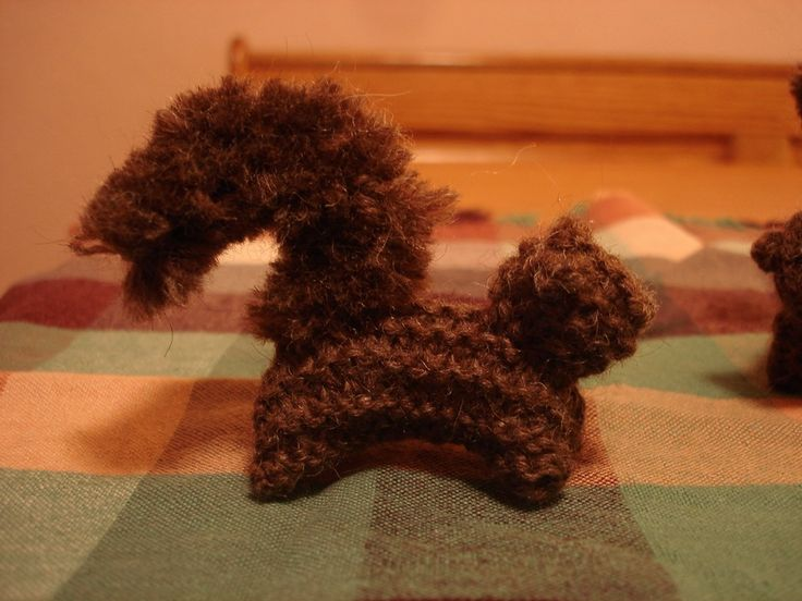Squirrel pattern: Ideas, Lion Brand Yarn, Craft Patterns, Crocheted Craft, Crafts Autumn, Autumn Crafts, Knit Patterns