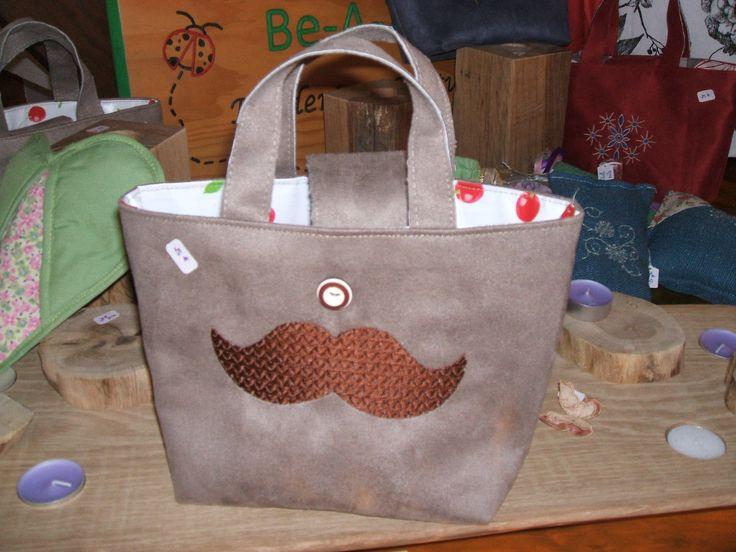 sac taupe broderie moustache doublé toile cirée pour toute utilisation : Autres sacs par be-a-zen-broderie