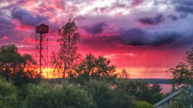 The sun had a party in #Tampere on 28.6.2014. #tampereallbright #pispala #sunset