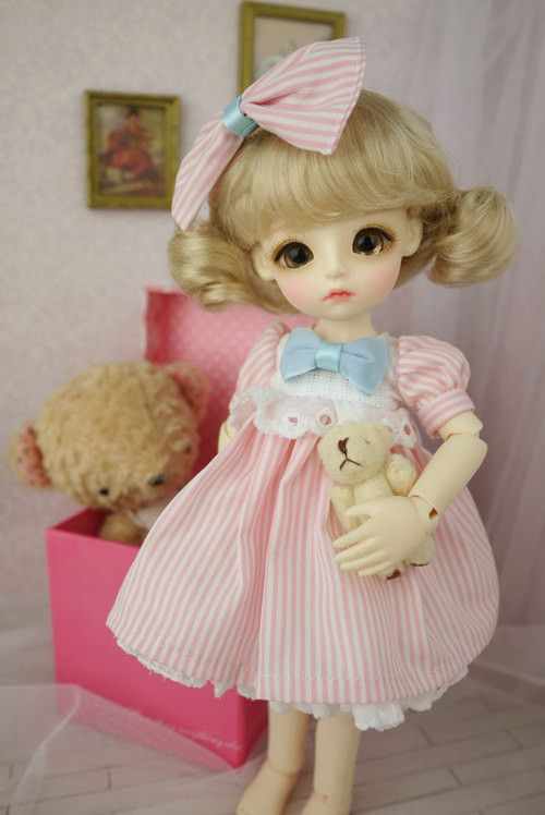1 : 6 Scale Blythe Pink Stripes Dress with Pink Bow on Front | Doll Apparel | Doll Fashion | Doll Dress