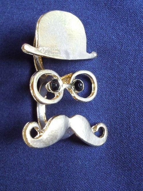 anel duplo bigode, óculos e chapeu - 1up tralhas