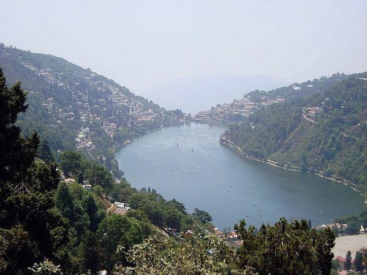 Beautiful view of Nainital Lake.