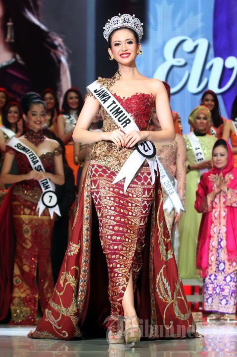 Miss Indonesia Elvira Devinamira