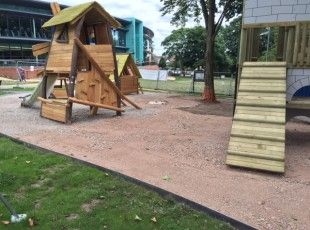 Halestem comes equipped with a 6mm rolled top edge making it perfect for parks and playgrounds
