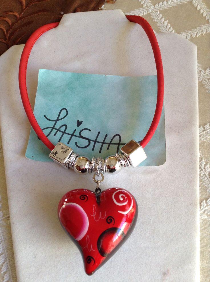 Collar de corazón pintado a mano  Facebook Bisutería Laisha