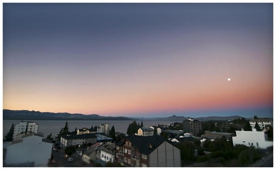 Lindo atardecer en la ciudad...hasta mañana! Bariloche.Org