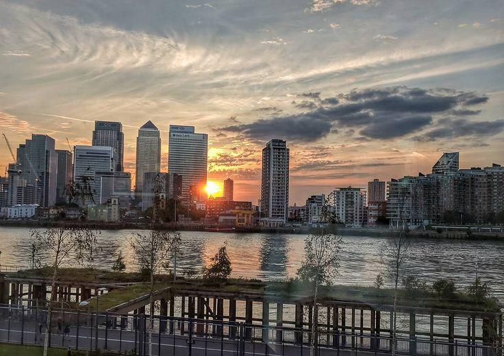London . . . . #london #london2017 #londonskyline #greenwich #intercontinental #o2 #peninsula #restaurant #finedining #views #scene #scenery #view #canarywharf