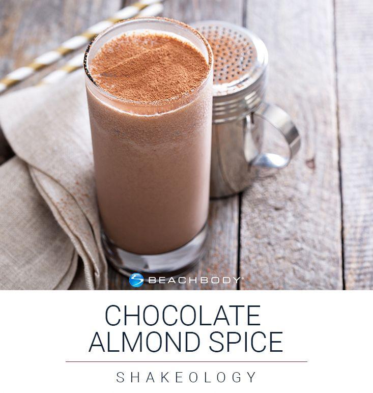 Chocolate Almond Spice Shakeology Recipe   shakeology // eat clean // smoothie recipe // smoothie // chocolate // healthy treat // beachbody // nutrition // protein