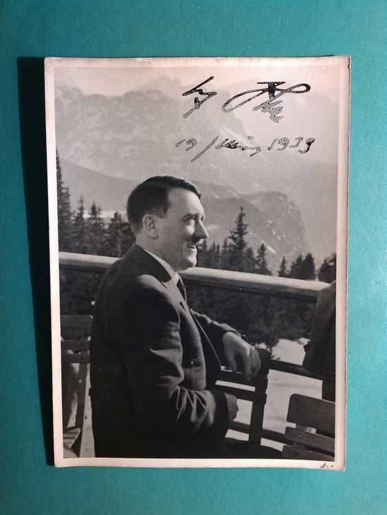 1939 ADOLF HITLER IN THE BERGHOF - AGFA BROVIRA PAPER - PHOTO WITH HANDWRITTEN SIGNATURE AUTOGRAPH  BY ADOLF  HITLER - PHOTO BY  HEINRICH HOFFMANN -  DIMENSIONS - 13 x 18 CM / 5.2 x 7.1 INCH - PRICE $3500