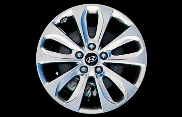 "Foto: Roda esportiva réplica New Hyundai Sonata 2012 aro 18"" prata"