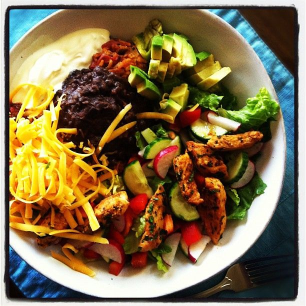 chicken taco salad bowls with homemade Spanish rice...this looks amazing  {Good Life Eats}