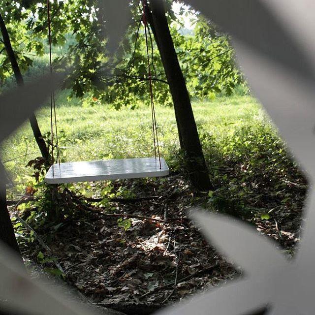 My Bartók installation in the forest. #mywork #installation #forest #paper #papersculpture #paperart #papercut #bartok135 #bartok #music #classicalmusic #composer #contemporary #juniper #detail #swing #instaartist #art #red #white #green