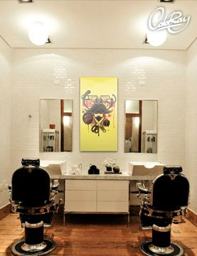 Salon fryzjerski z naszym obrazem.