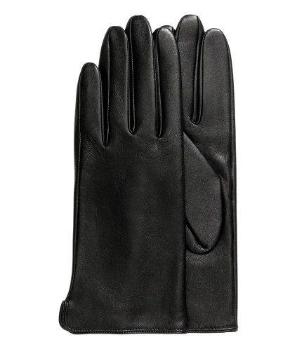 Svart. PREMIUM QUALITY. Ett par handskar i mjukt och följsamt läder. Fodrade.