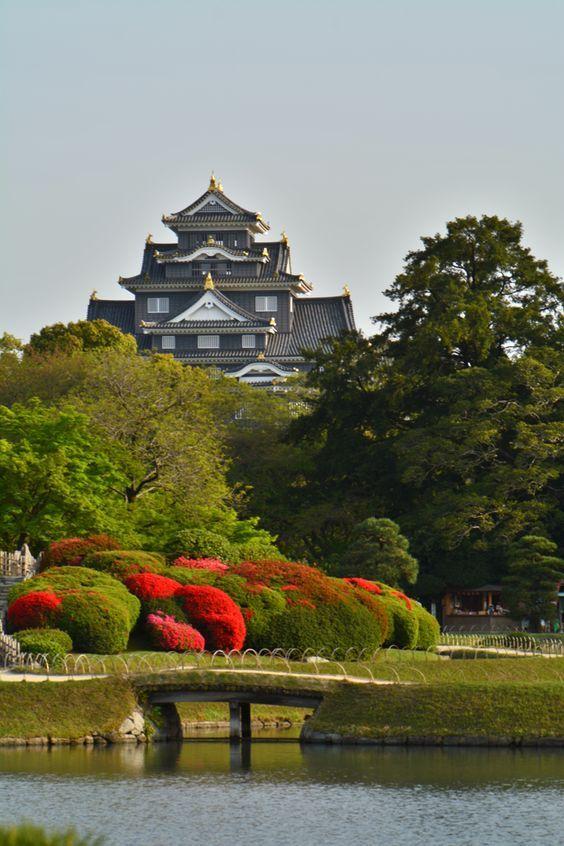Okayama Castle is a Japanese castle in the city of Okayama in Okayama Prefecture, Japan. (岡山城)