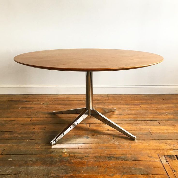 "124 Likes, 1 Comments - Deluxe Vintage Furnishings (@deluxevintagefurnishings) on Instagram: ""Florence Knoll 54"" Table Desk. Available. #florenceknoll #knoll #myknoll #modernism…"""