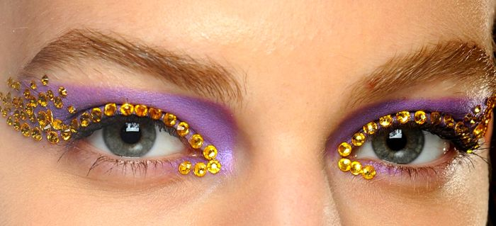 Dia de Beauté - http://revista.vogue.globo.com/diadebeaute/2012/09/a-boca-da-prada-e-o-olho-da-dior/