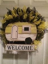 Retro Trailer Deco Mesh Wreath With Welcome Sign Black And Yellow