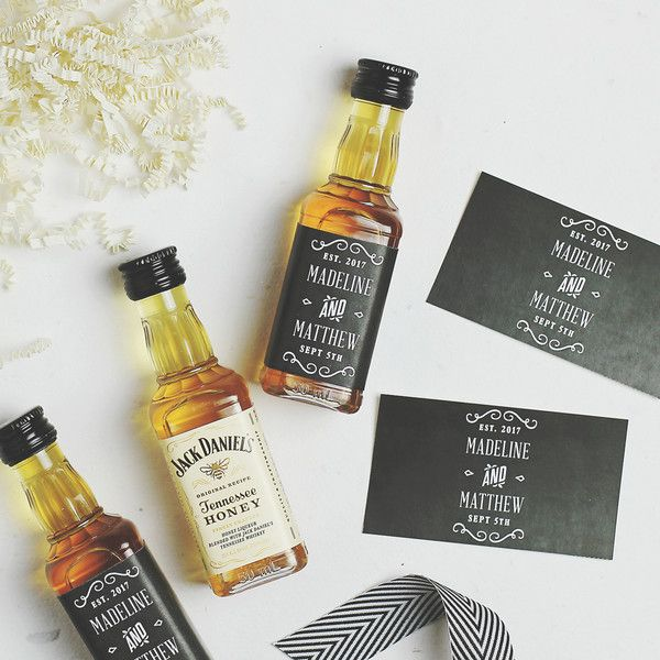 This week I'll be featuring a fun and free printable wedding favor project: Mini Whiskey Bottle Labels. This free printable favor label can be customized.
