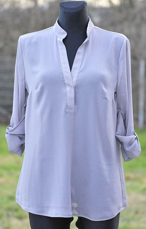 free papavero pattern: simple loose blouse with rolled sleeve detail