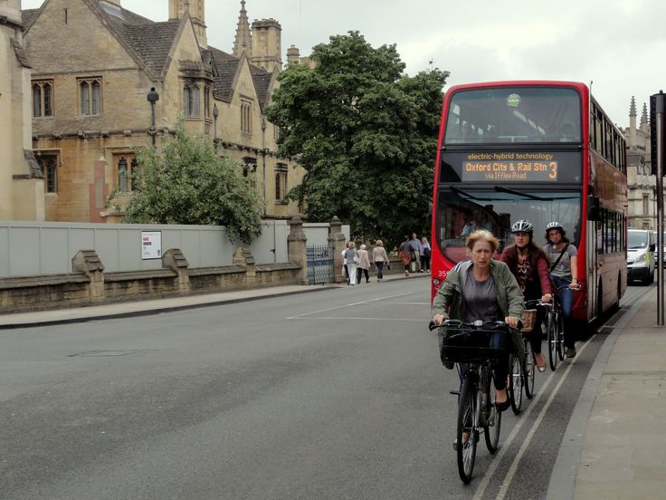 Cycling in Oxford is easy. If you learnt to ride a bike as a child, then you can pretty much just get hold of a bike and get out there.
