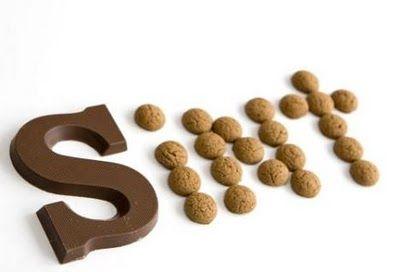 sinterklaas in chocoladeletter en kruidnootjes
