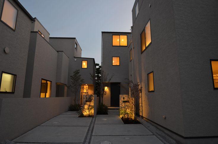 外観事例:全景(中村プロジェクト-注文住宅同様に丁寧につくりあげた5棟の建売住宅-)