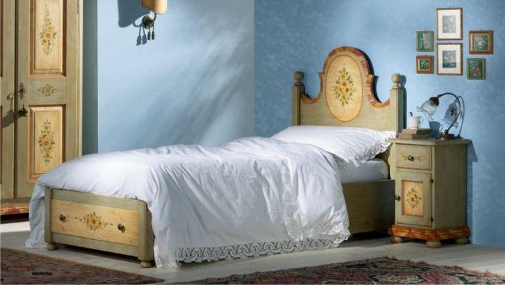 Scandola-mobili-letto-singolo-decorato