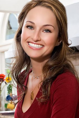 Food Network chef Giada De Laurentiis has joined the #MeatlessMonday movement! The star of Giada at Home goes meatless with her family each week, helping fans to do the same with delicious, produce-packed recipes.