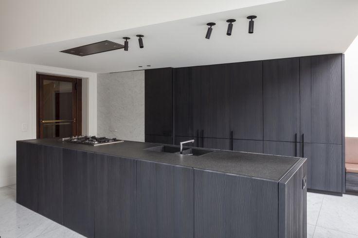 Black kitchen by Tersago-Dedecker architecten.