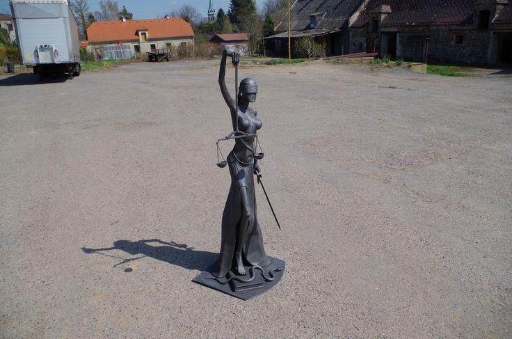 JUSTITIA 1metal sculpture - Alexandr Pleskač