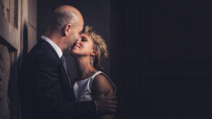 A stolen moment from an intimate wedding. #NightWeddingPhotos #IntimateWeddingShots #AwesomeWeddingPhotos Photo by www.onebyinfinity.co.nz