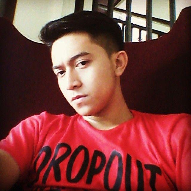Aktor Indonesia yang lahir 21 tahun lalu Putra dinata