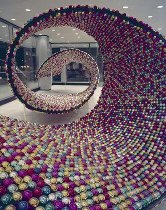 Robert Brownjohn, Pepsi-Cola Convention Christmas lobby sculpture, 1958-1959