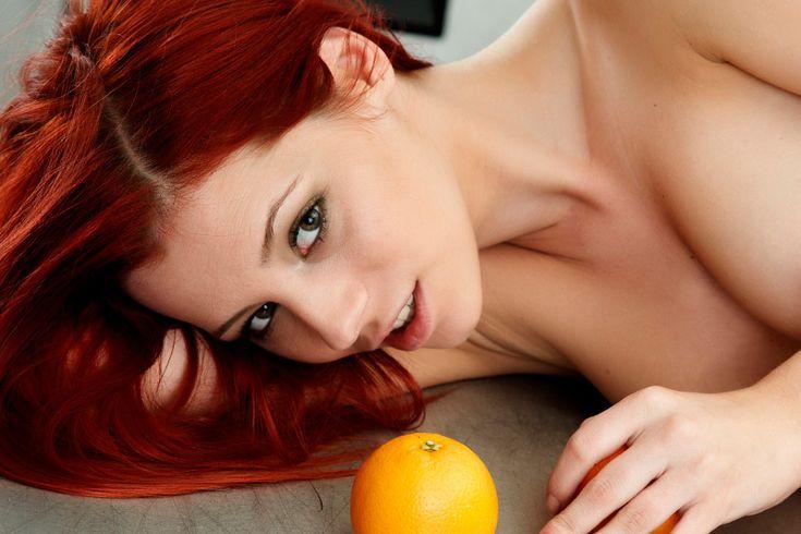 Еда и секс  Поднять до максимума мужскую потенцию и женское возбуждение можно исключительно едой. Некоторые продукты вызывают у обоих полов повышенное сексуальное желание и половой инстинкт. Как повысить уровень тестостерона и эстрогена? #фитнеспитание #вкусно #здоровье #вкусняшка #едадляжизни #здоровоепитание #питание #вкусноиполезно #едаялюблютебя  https://mensby.com/sport/food/5797-food-and-sex