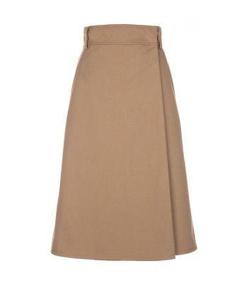 Rok wrap skirt - Rok gemaakt van stevig katoen. De rok valt hoog in de taille, loopt uit aan de onderkant en sluit door middel van een knoop en een haak-en-oog sluiting. De rok heeft riemlussen, een overslag aan de voorkant en twee steekzakken in de zijnaad.