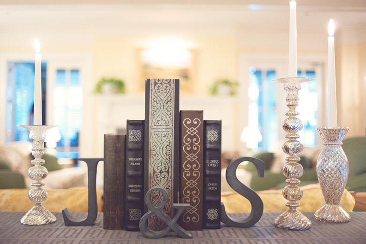 Decora tu boda con libros vintage #BodaTotal Something simple but effective!