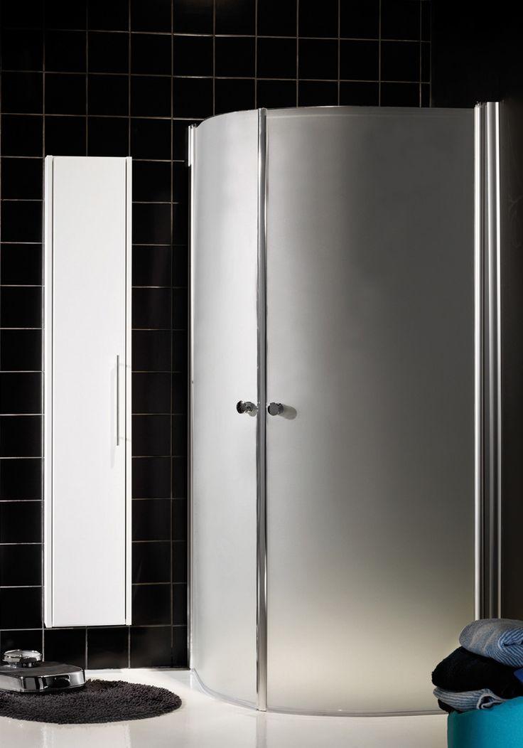 Hafa Igloo R Frostat Duschhörn. Elegant duschhörn med stora glasytor i 6 mm härdat säkerhetsglas och få profiler.