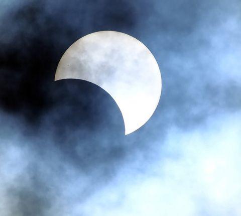Prochaine éclipse solaire le 20 mars 2015 - L'actu des juniors - Archives - Cité des sciences et de l'industrie - Expositions, conférences, cinémas, activités culturelles et sorties touristiques pour les enfants, les parents, les familles - Paris