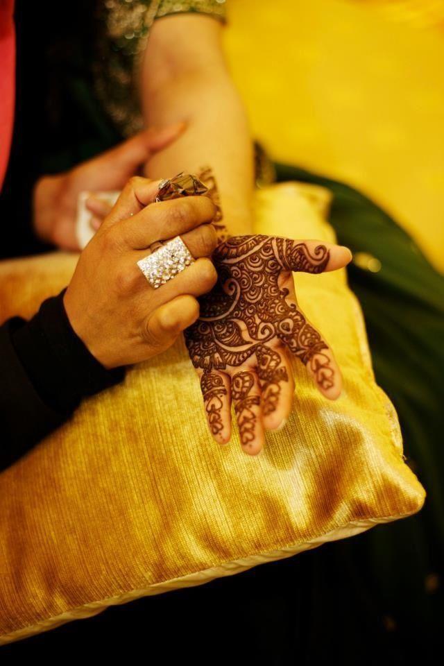 #henna #FarhanaHennaMUA www.farhana.co.uk