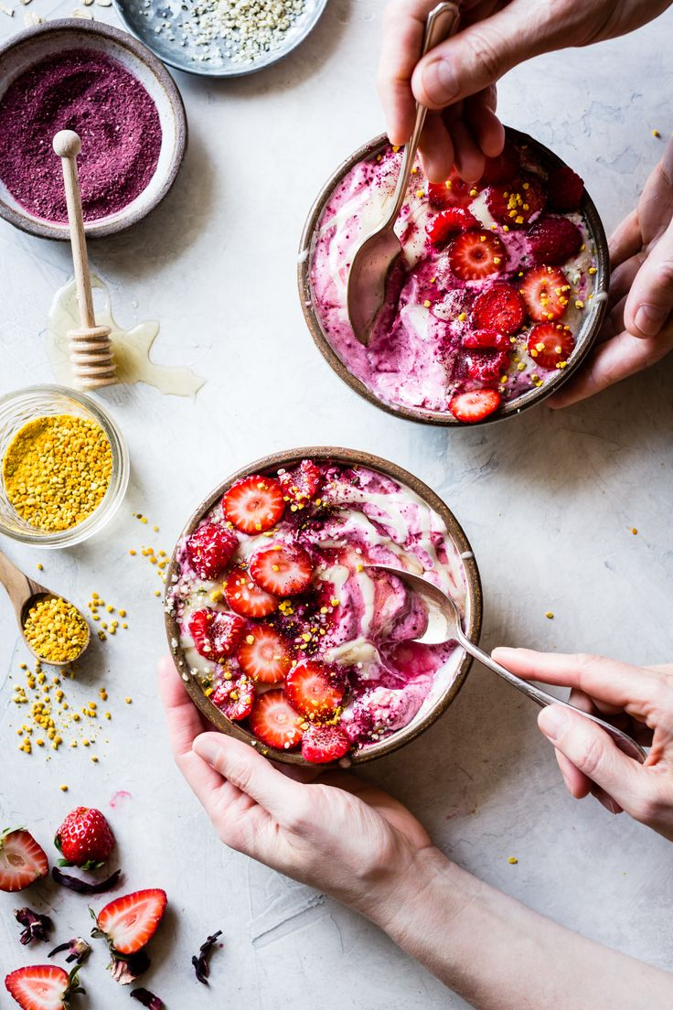 Hibiscus Berry Smoothie Bowls food photography, food styling, learn food photography