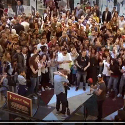 #Matrimonio: la proposta a sopresa con #flashmob in un centro commerciale a Roma