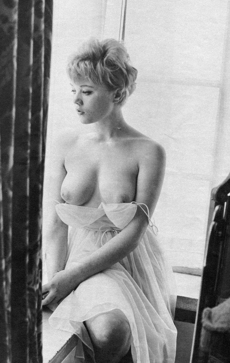 Margaret nolan vera novak vintage naturist clip 1