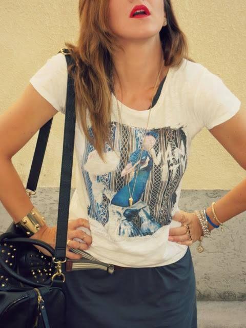 A beautiful girl with a Manymal tee!  Thanks a lot Patrizia!   http://godsavethepink.blogspot.it/2013/08/tshirt-manymal.html