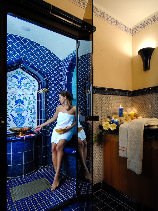Our Rasul bath is a portal to the secrets of oriental beauty and health traditions. Let the healing earths and the gentle heat of a steam bath uncover your inner beauty.