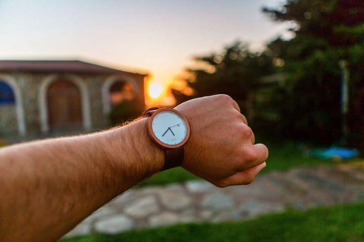 Relojes Ttanti, marca cercana de la naturaleza - atardecer en Pichilemu, Chile