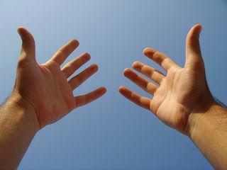 El arte de la estrategia: Lenguaje corporal. Gestos. Las palmas de tus manos delatan tu timidez