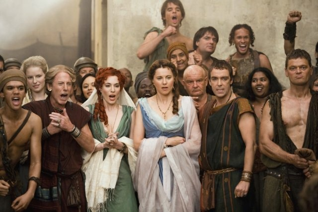 Still of John Hannah, Lucy Lawless and Jaime Murray in Spartacus: Deuses da Arena