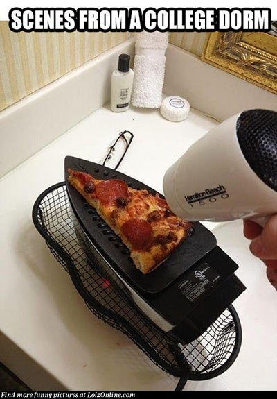 College dorm cooking. I can see myself doing this. FOR THE LOVE OF PIZZA.