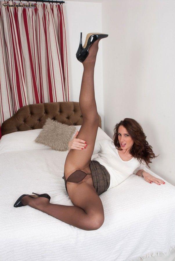 Pantyhose legs spread